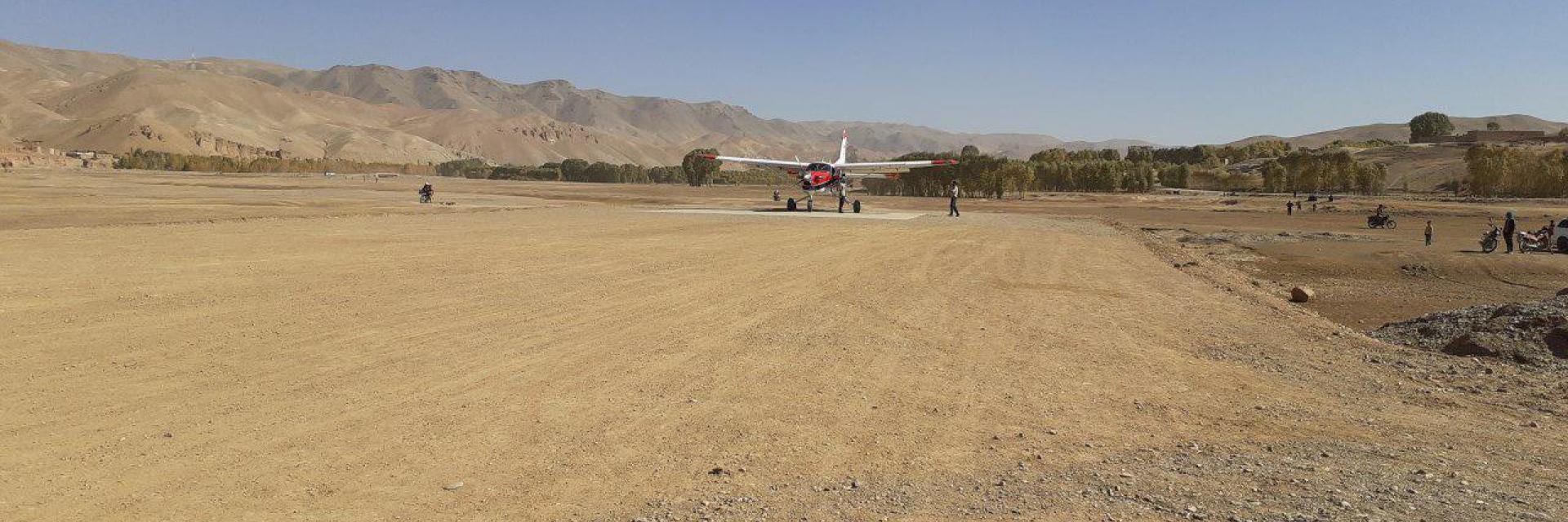 Landung erster Testflug auf neuer Landebahn